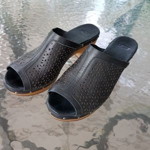 UGG Ansel Perforated Clogs Mules 7